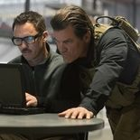 photo, Josh Brolin, Jeffrey Donovan