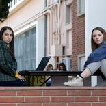 photo, Kaitlyn Dever, Beanie Feldstein