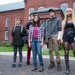 photo, Blu Hunt, Maisie Williams, Anya Taylor-Joy, Henry Zaga, Charlie Heaton