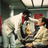 photo, Roger Moore (I), Yaphet Kotto