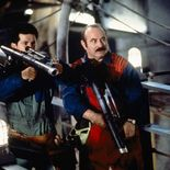 photo, Bob Hoskins, John Leguizamo