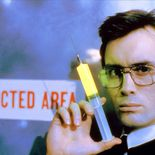 photo, Jeffrey Combs