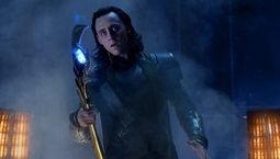 photo, Tom Hiddleston