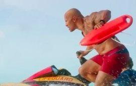 Alerte à Malibu : des boobs et des muscles dans le trailer à la sauce 21 Jump Street