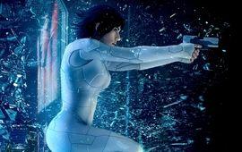 Scarlett Johansson fait tout péter dans l'affiche IMax de Ghost in the Shell
