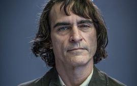 Joker : nouvelle photo officielle de Joaquin Phoenix en costume