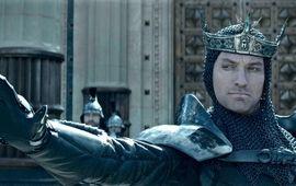 Jude Law est très méchant dans la nouvelle bande-annonce du Roi Arthur de Guy Ritchie