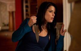 Neve Campbell se confie sur les succès cultes de Scream et Dangereuse Alliance