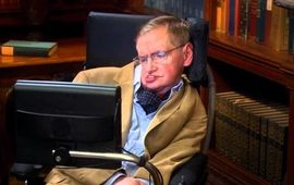 Stephen Hawking est mort, Benedict Cumberbatch et Eddie Redmayne lui rendent hommage