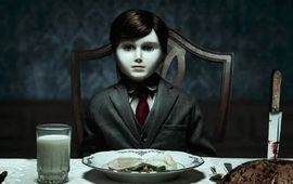 """The Boy 2 : le """"cousin"""" d'Annabelle ne va pas terrifier Katie Holmes tout de suite, sa date de sortie est repoussée"""
