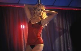 Showgirls : 20 ans plus tard, Elizabeth Berkley réhabilite le film sulfureux de Paul Verheoven