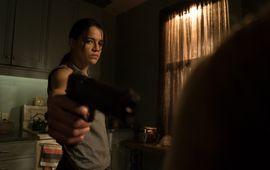 Michelle Rodriguez défend son film Re(Assignement) accusé de transphobie et pose en homme