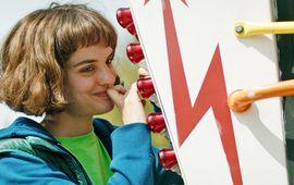 Jumbo : critique portrait de la jeune fille en machine
