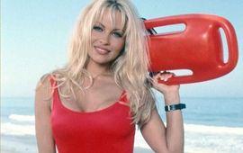 Alerte à Malibu : Pamela Anderson tacle le film et vante la nullité de la série