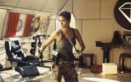 James Bond : Halle Berry revient sur son spin-off abandonné de Meurs un autre jour