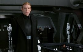 Les Derniers Jedi : le Général Hux pousse à son tour un coup de gueule contre les fans turbo-débiles de Star Wars