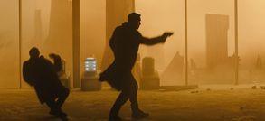 Blade Runner 2049 dévoile des décors et des maquettes démentielles dans un making-of classieux