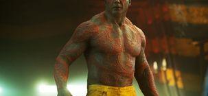 """À couteaux tirés 2 : Dave Bautista explique que travailler avec Rian Johnson et Daniel Craig le """"terrifie"""""""