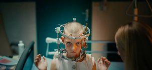 Titane : des images bizarres pour le slasher trash de la réalisatrice de Grave