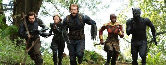 photo, Chris Evans, Scarlett Johansson, Danai Gurira, Chadwick Boseman, Sebastian Stan