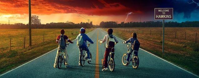 Stranger Things saison 2 : une superbe affiche et d'inquiétants teasers pour la série Netflix