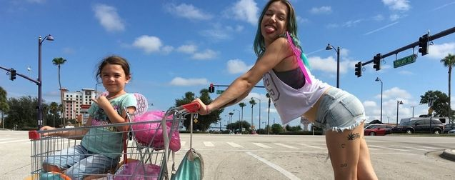 Photo, Bria Vinaite, Brooklynn Prince