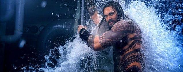 Aquaman : Jason Momoa explique qu'il a bien failli faire caca dans son costume