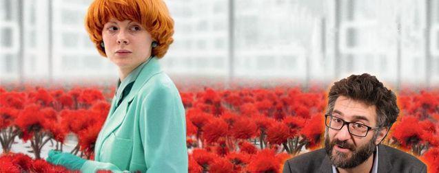 Emily, Simon, des fleurs.