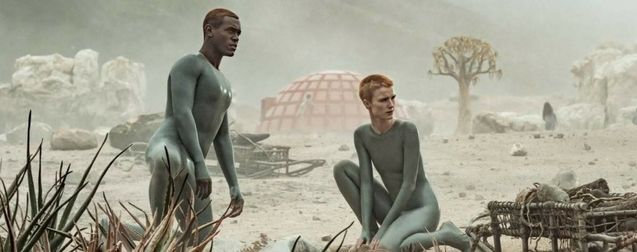 Raised by Wolves (série SF de Ridley Scott avec Travis Fimmel sur HBO MAX) Raised-by-wolves-photo-abubakar-salim-amanda-collin-1188573-large