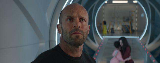 En eaux troubles 2 : le réalisateur tease le retour survolté de Jason Statham et son gros requin