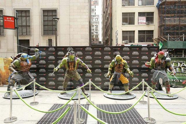 Les tortues ninja 2 l avant premi re du film d voile les hommes derri re les carapaces - Mechant tortues ninja ...