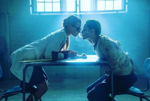 jared leto margot robbie kissing