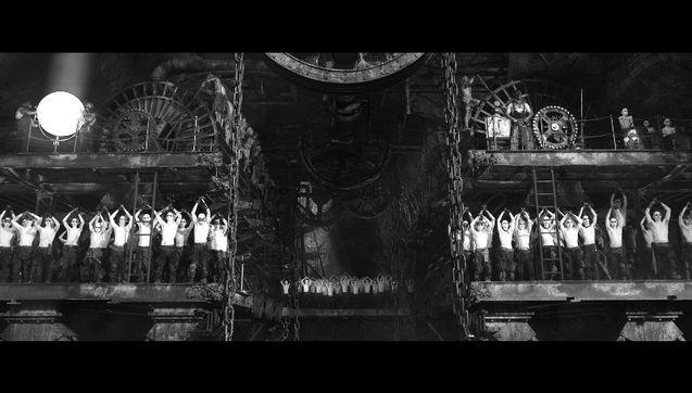 Capture 5 - version black & chrome