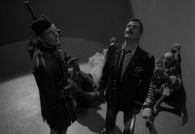 Episode Cinq personnages en quête d'une sortie