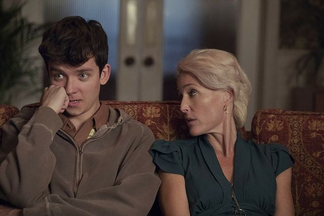 photo, Gillian Anderson, Asa Butterfield