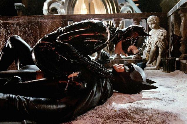 photo, Michael Keaton, Michelle Pfeiffer