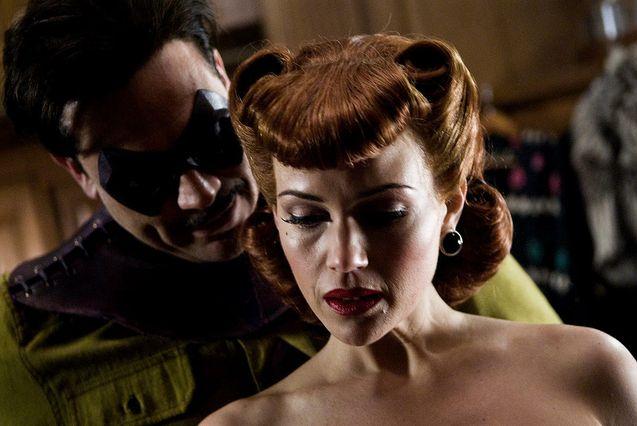 photo, Carla Gugino