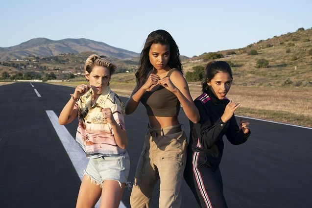 photo, Ella Balinska, Naomi Scott, Kristen Stewart
