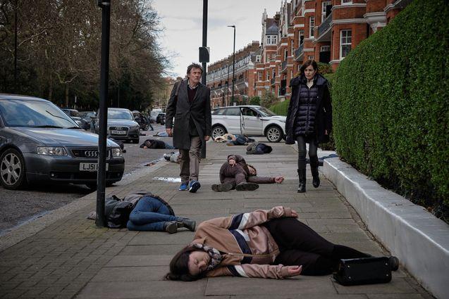 photo, Gabriel Byrne, Elizabeth McGovern