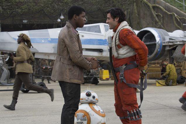 photo, John Boyega, Oscar Isaac