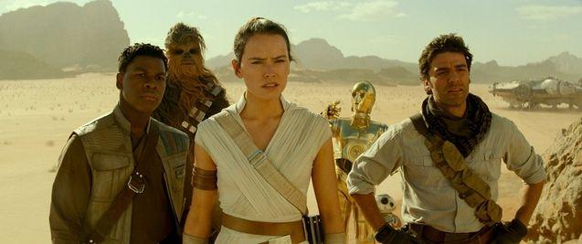 photo, Oscar Isaac, Daisy Ridley, John Boyega