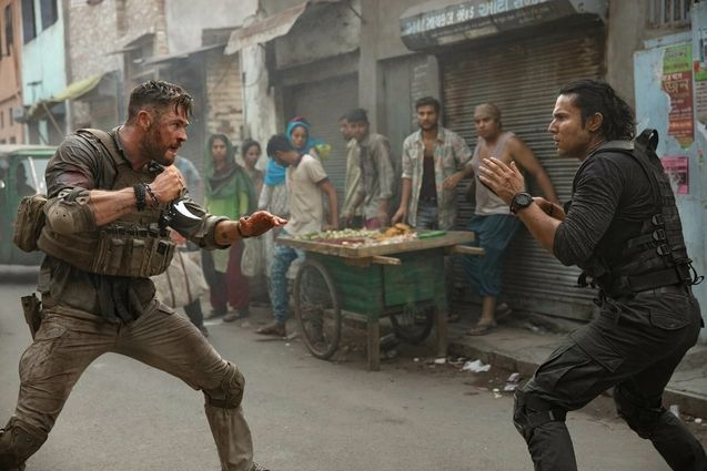 photo, Chris Hemsworth, Randeep Hooda
