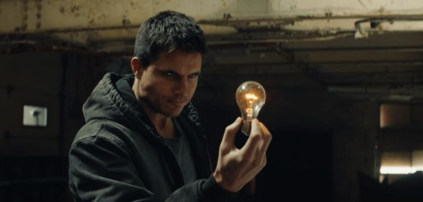 photo, Robbie Amell