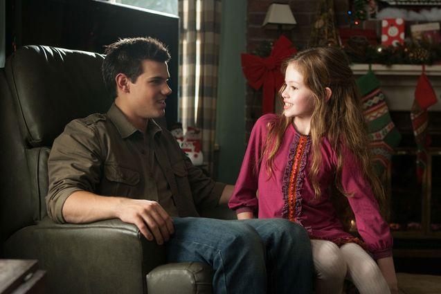 photo, Taylor Lautner, Mackenzie Foy