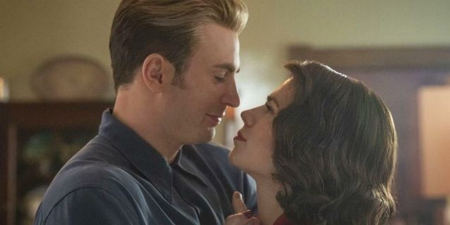 photo, Chris Evans, Hayley Atwell