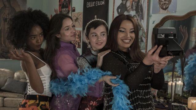 photo, Cailee Spaeny, Gideon Adlon, Lovie Simone, Zoey Luna
