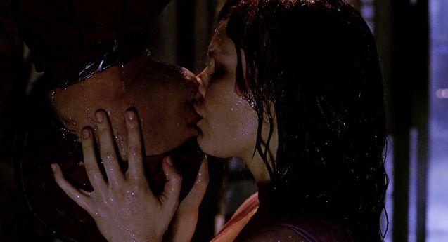 Spider-Man kiss, Tobey Maguire, Kirsten Dunst