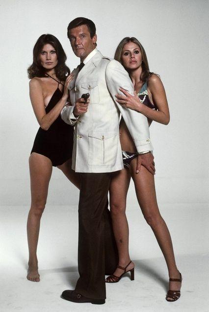 photo, Roger Moore, Britt Ekland, Maud Adams
