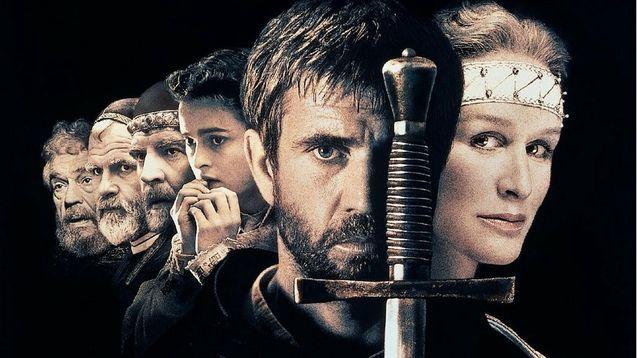 photo, Mel Gibson, Glenn Close, Alan Bates