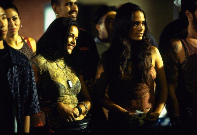 photo, Jordana Brewster, Michelle Rodriguez